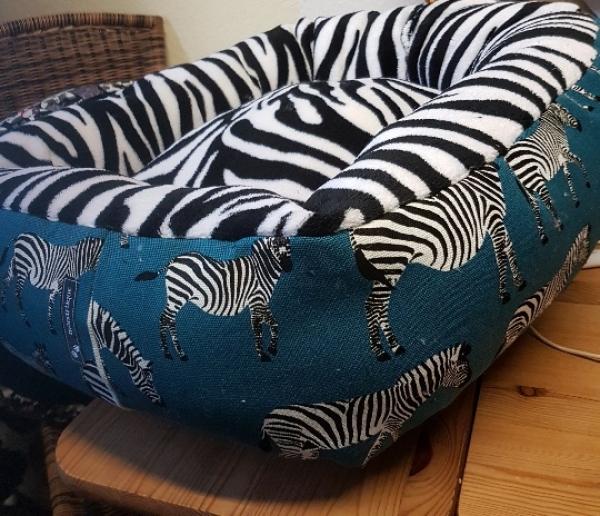 Eckig, ca. 60 x 55 cm, Zebra, petrol, schwarz, weiß